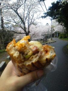 西公園 桜 今屋のハンバーガー
