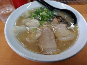 麺ズ赤のれん ワンタン麺