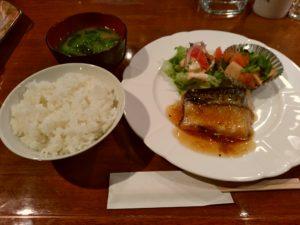 フローラル 喫茶店 塩サバ定食