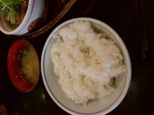 博多うまか遊び 庵 ランチ 味噌汁 ご飯