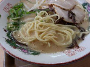 えびつラーメンセンター ラーメン 麺