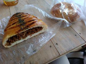 焼きそばパン パンネ