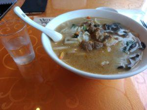 中華料理 李香 牛筋刀削麺