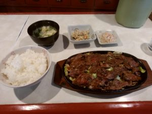 小倉 とまと 焼肉定食900円