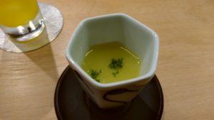 いとちん 博多区冷泉 水炊きベースのスープ
