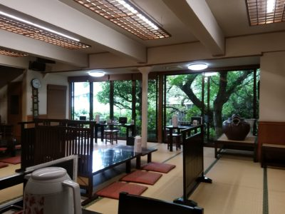 京や 東峰村 店内と庭