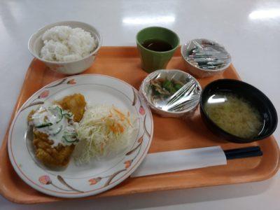 福岡県警察本部 食堂 白身魚のカレーマリネ