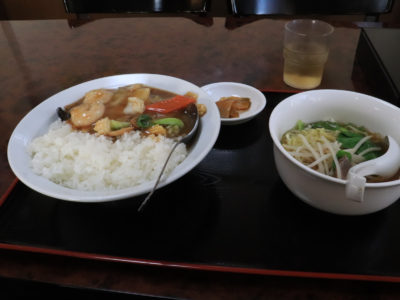 墨田 向島 中華 新蕾軒 中華丼・半ラーメン750円