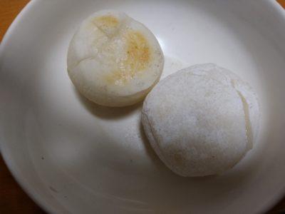 左:高島屋 右:駒屋 焼き白餅