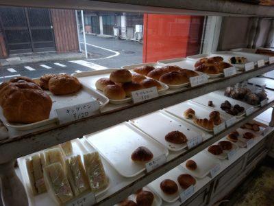 門司港 イカワのパン 店内