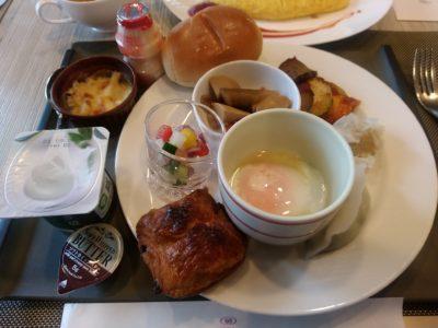 ANAクラウンカフェ 博多 パン 温泉卵 ヨーグルト